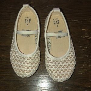 White/ivory toddler BABY GAP shoes